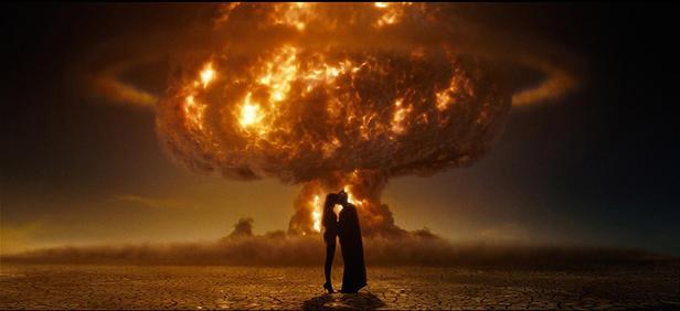 Apokaliptični poljub iz filma Varuhi (Watchmen)