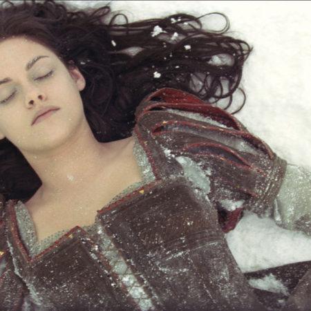 Kristen Stewart v filmu Sneguljčica in lovec