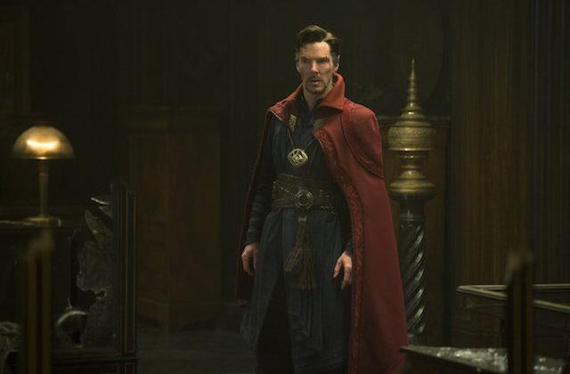 Benedict Cumberbatch v filmu Doktor Strange.
