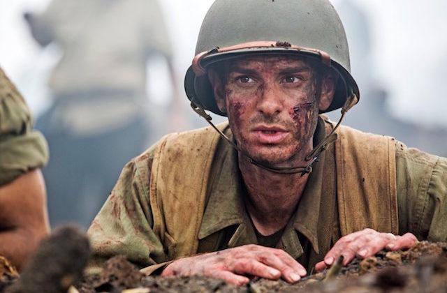 Andrew Garfield v filmu Greben rešenih.