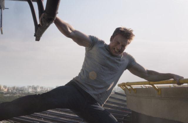 Chris Evans kot Stotnik Amerika v filmu Stotnik Amerika: Državljanska vojna (Captain America: Civil War), znanim tudi kot Maščevalci 2.5.