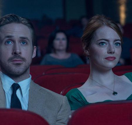Ryan Gosling in Emma Stone v filmu Dežela La La.