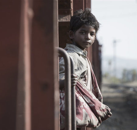 Sunny Pawar v filmu Lev (Lion).