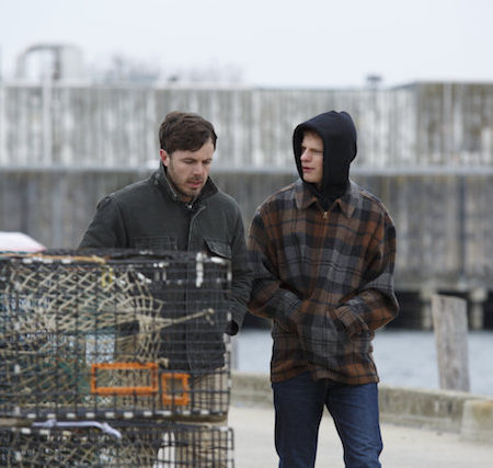 Casey Affleck in Lucas Hedges v filmu Mamchester by the Sea.