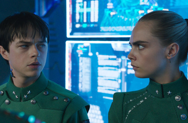 Cara Delevigne in Dane DeHaan v filmu Valerian in mesto tisočerih planetov Valerian and the City of a Thousand Planets